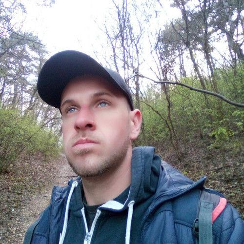 Adam9203 társkereső