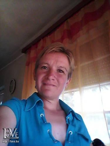 online társkereső 40 éves nő)