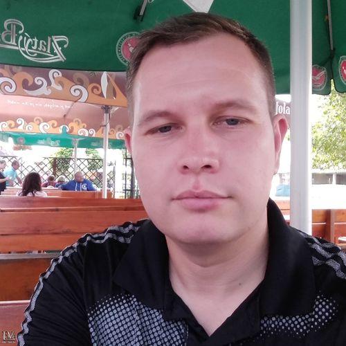 Czovek19830 társkereső